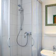 Bilder TuS Borkum 2020 - Betreuerbadezimmer Gästehaus